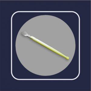 Щпатель с деревянной длинной ручкой